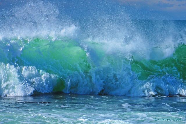 Powerful waves crashing https://www.flickr.com/photos/grazza123